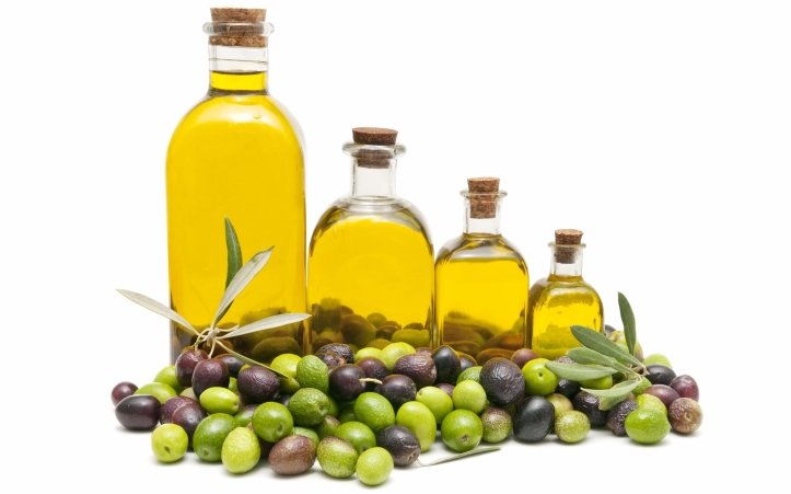 Olive-oil-and-its-natural-uses