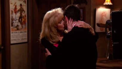 Chandler's mom kissing Ross