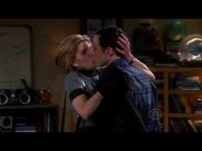 Leonard's mom kissing Sheldon